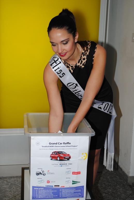 Miss Gib picking a winner